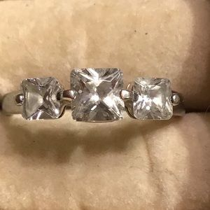 Vintage.925 Sterling Silver CZ Ring